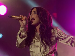 demi-lovato-live-performing-5k-a3.jpg