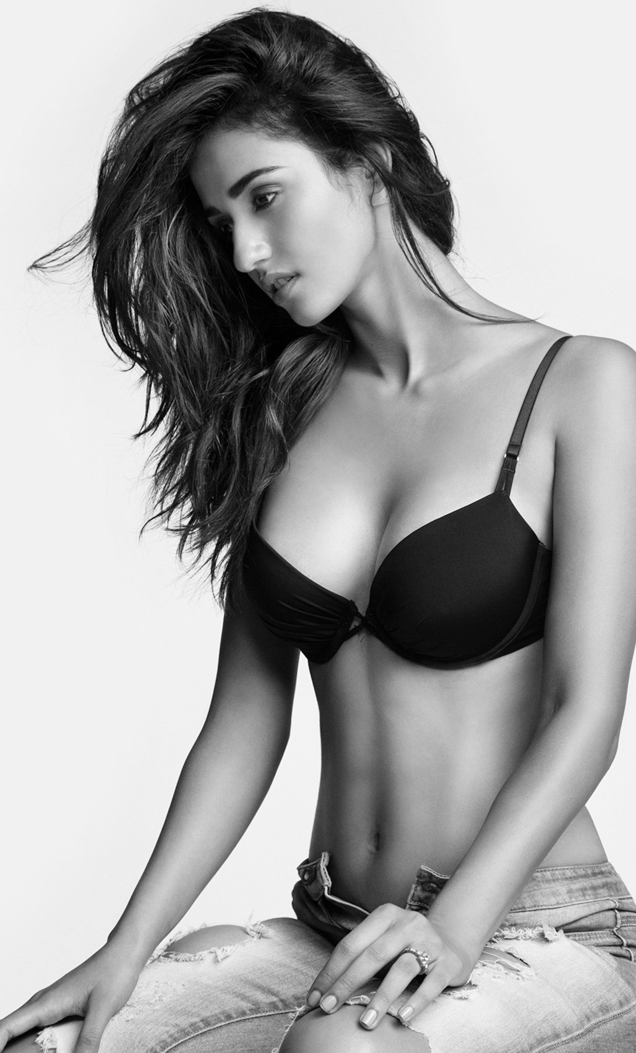 disha-patani-hot-to.jpg