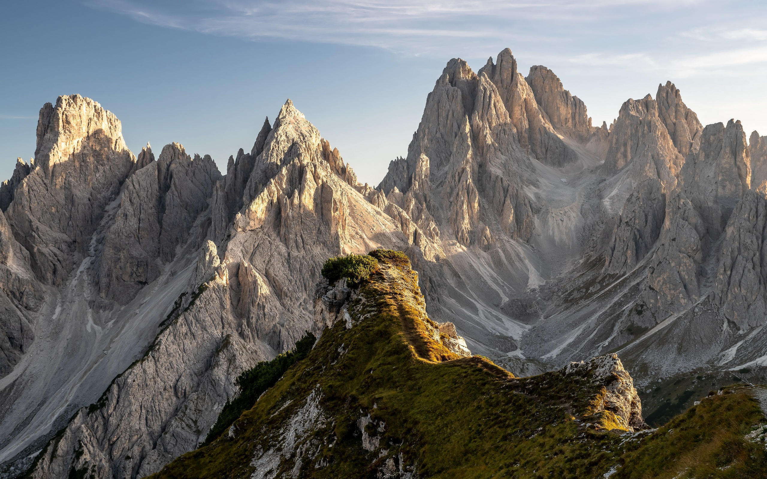dolomite-mountains-in-italy-4k-gs.jpg