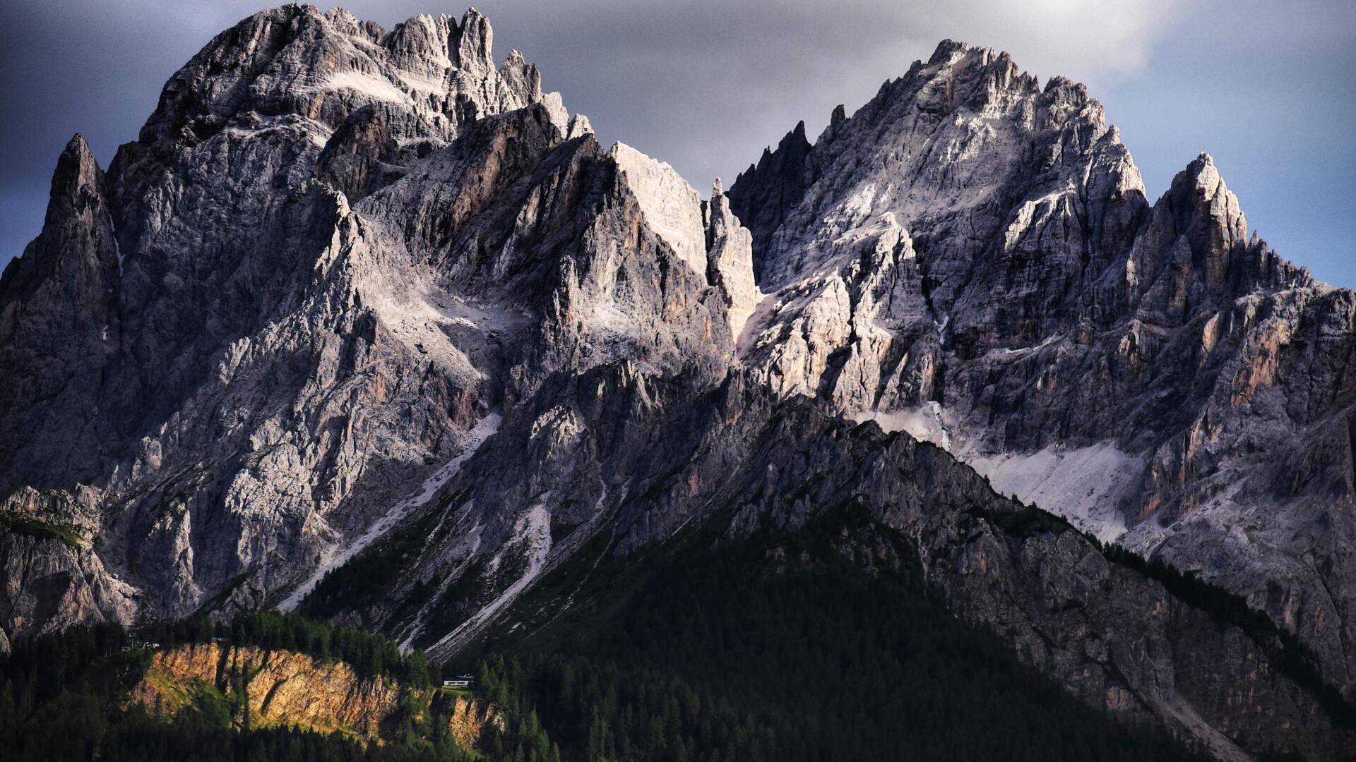 dolomite-mountains-italy-4k-zg.jpg