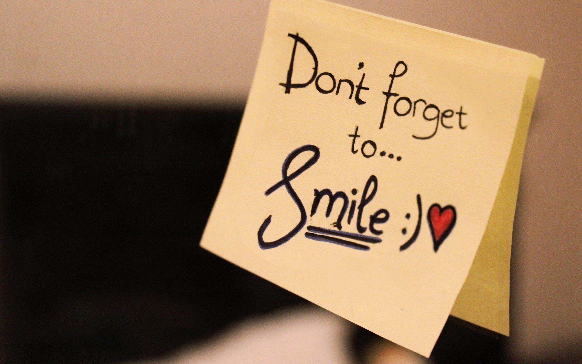 dont-forget-to-smile-msg.jpg