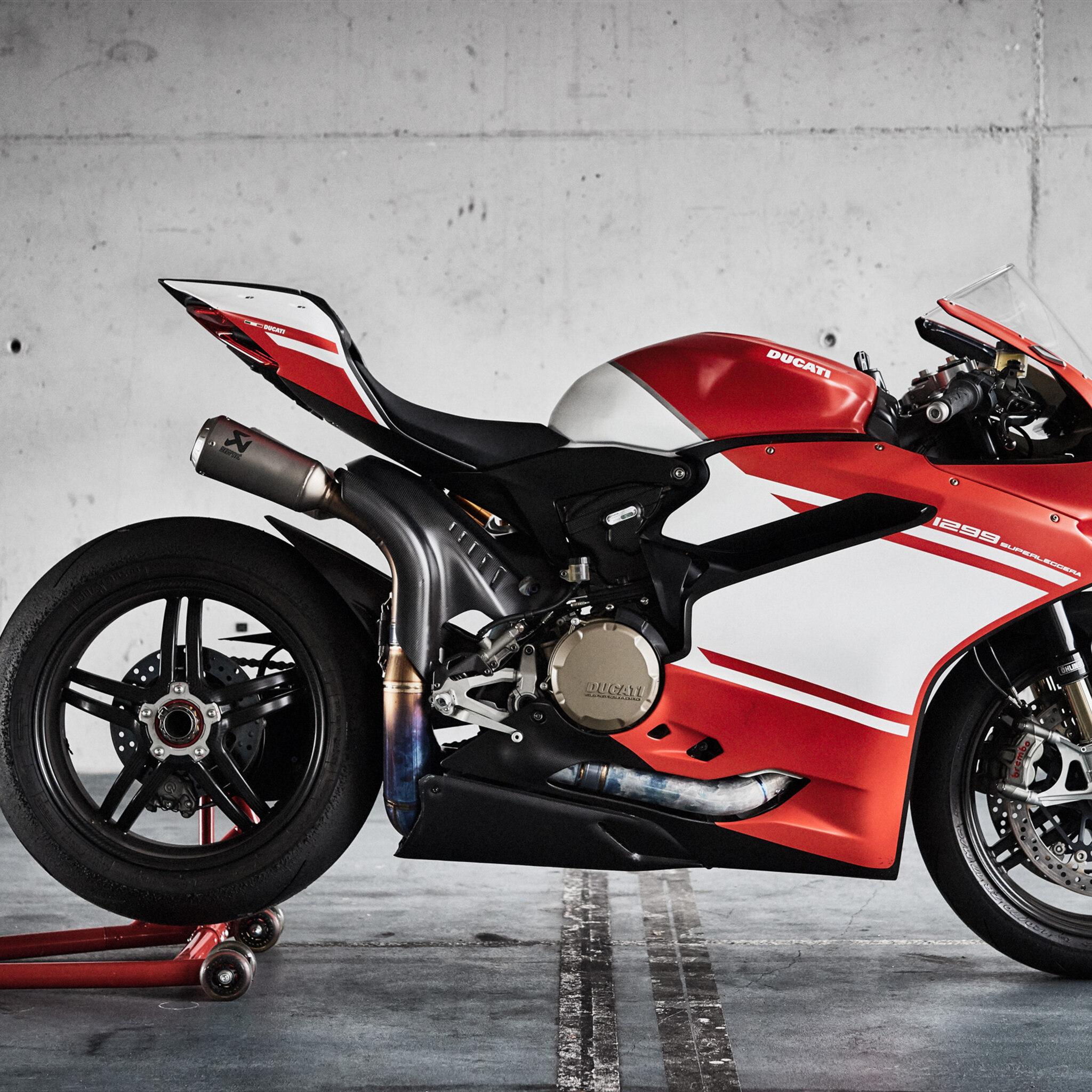 ducati-1299-superleggera-bike-or.jpg