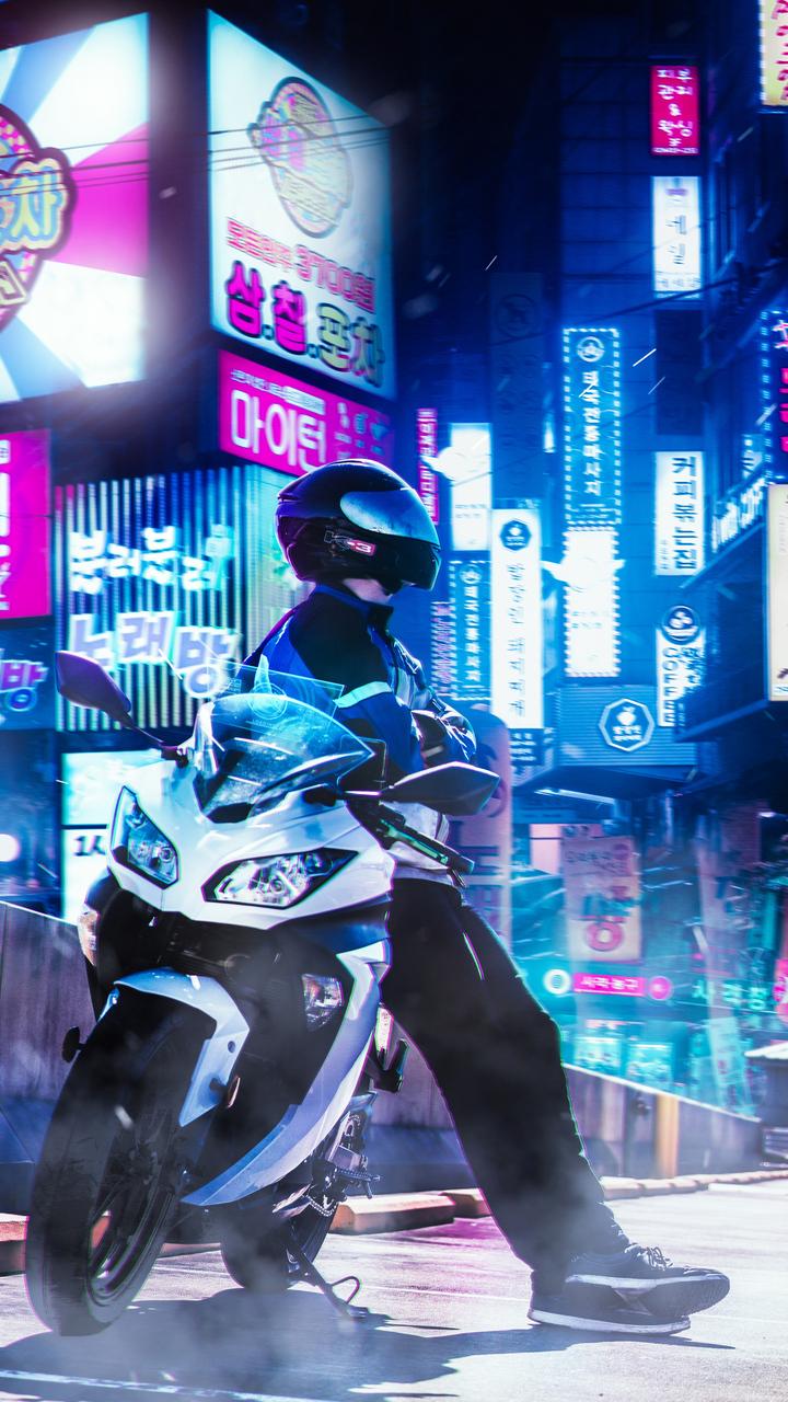 ducati-biker-7j.jpg