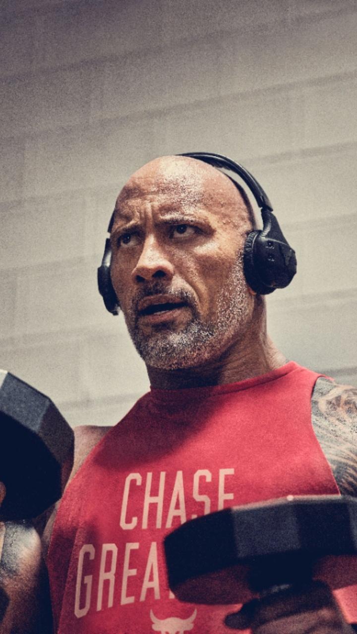 dwayne-johnson-workout-2019-1f.jpg