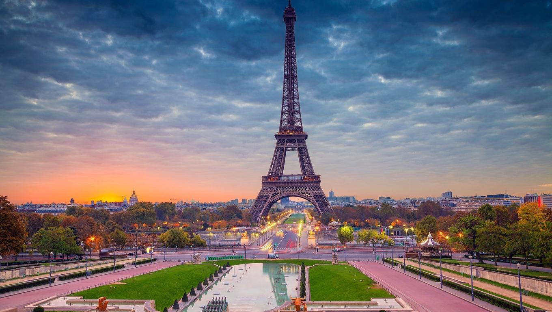 1360x768 Eiffel Tower Paris Beautiful View Laptop Hd Hd 4k