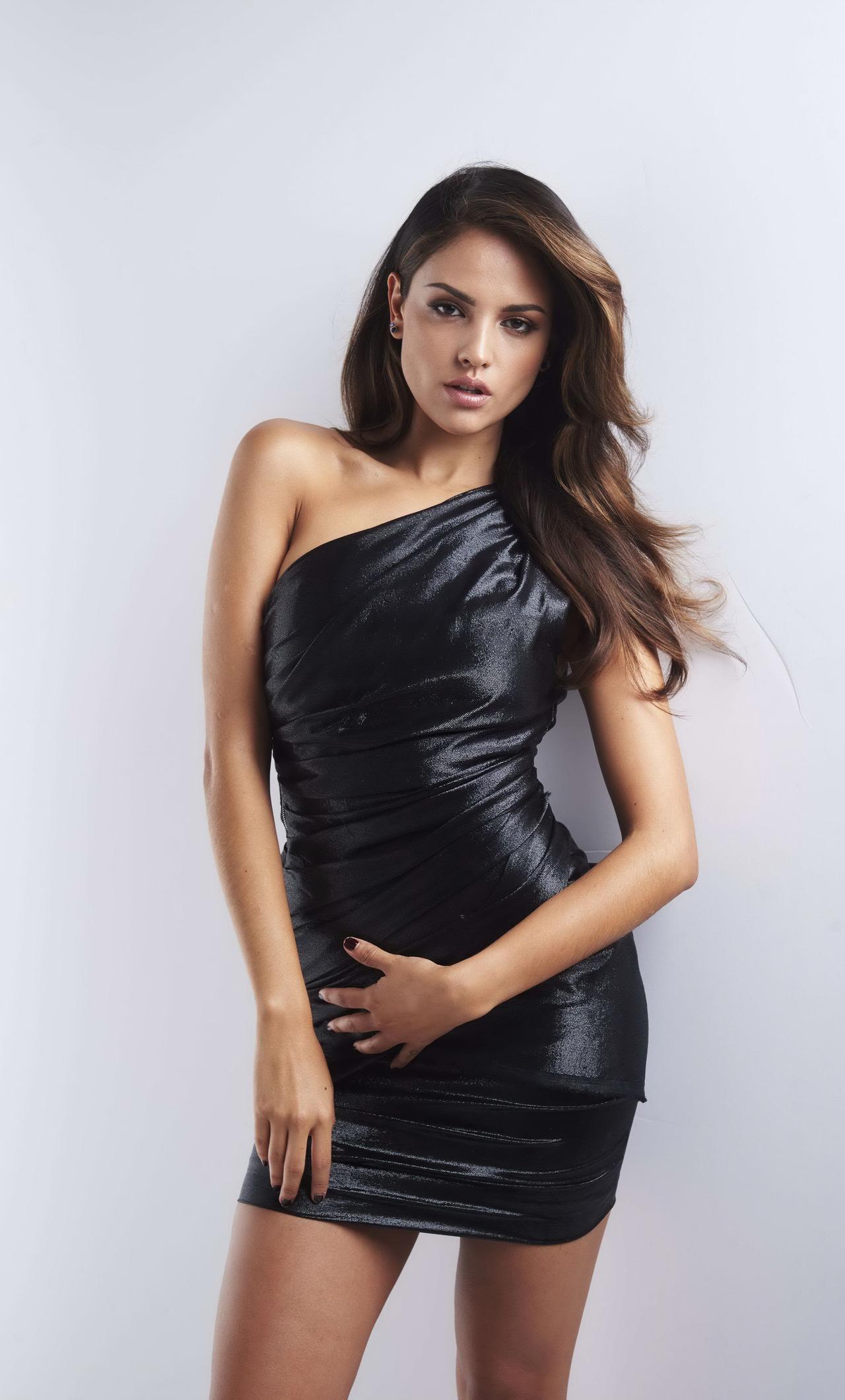 eiza-gonzalez-variety-latino-portrait-5k-aj.jpg