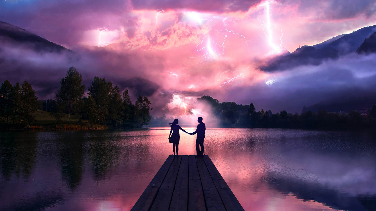 electric-love-couple-holdings-hands-at-pier-2n.jpg