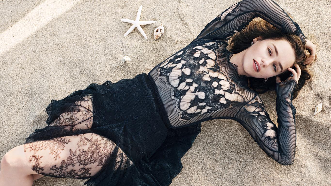 emilia-clarke-2019-i1.jpg