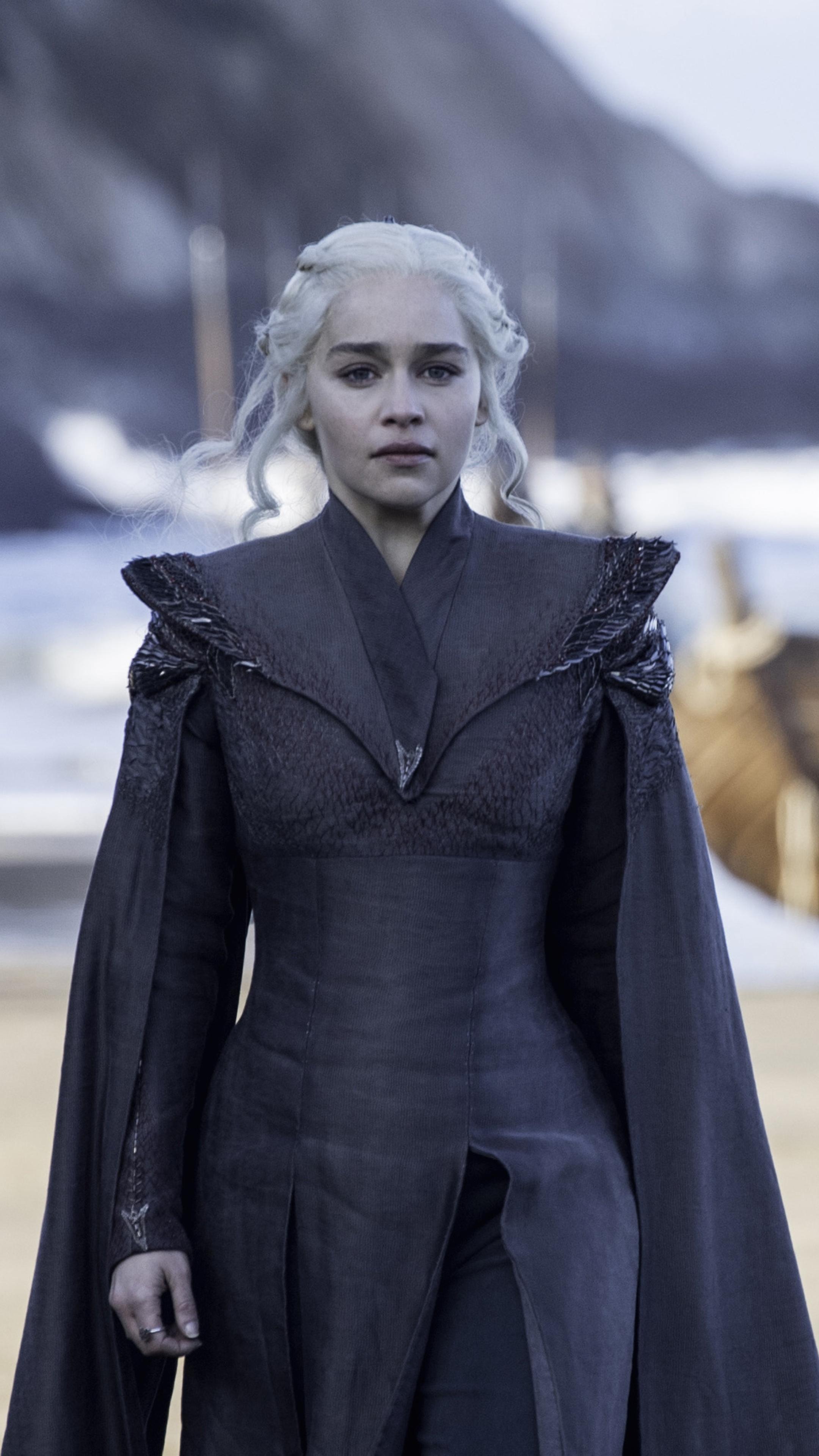 2160x3840 Emilia Clarke As Daenerys Targaryen In Game Of ...