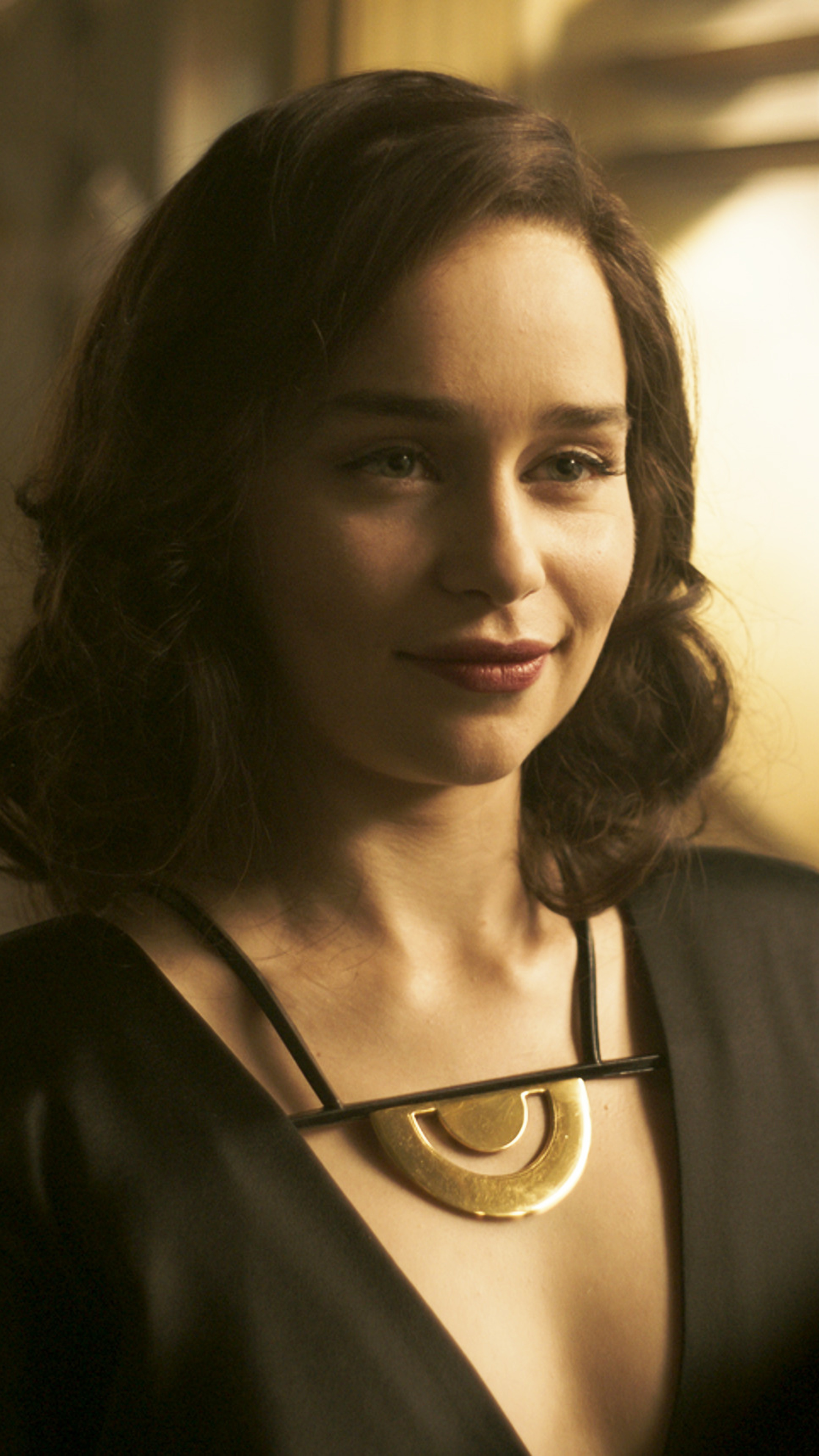 2160x3840 Emilia Clarke Photoshoot For Dolce And Gabbana