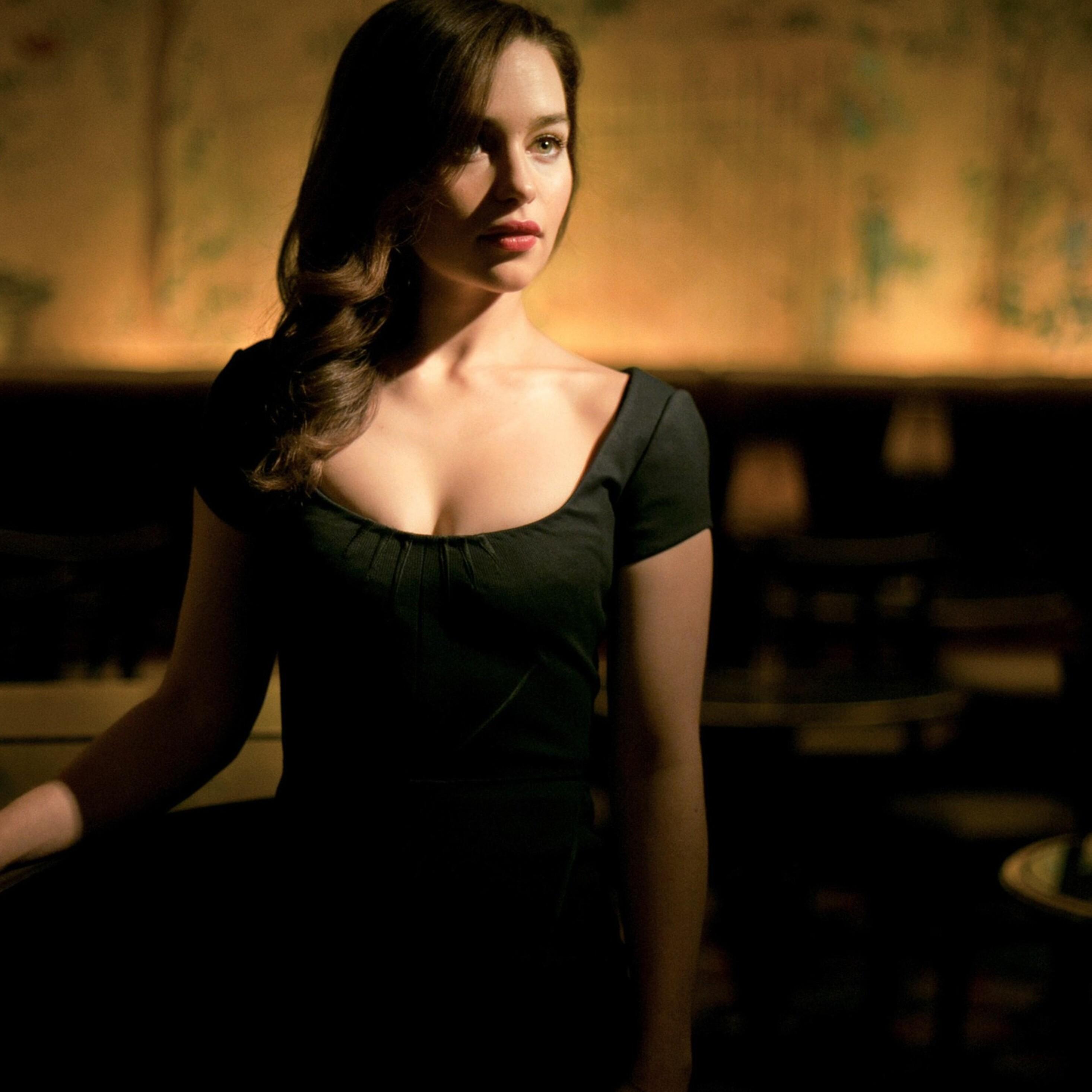 Cleavage Emilia Clarke nude photos 2019