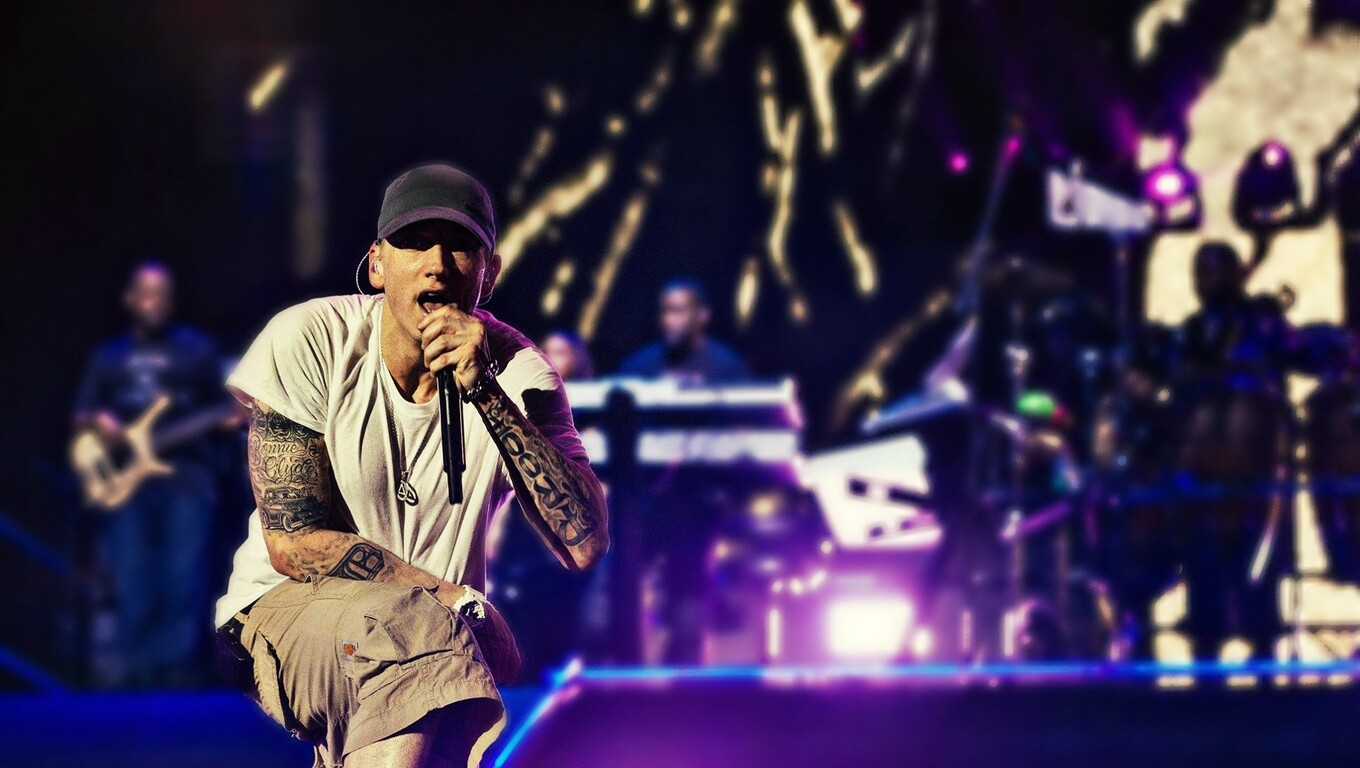 1360x768 Eminem On Stage Laptop Hd Hd 4k Wallpapers Images