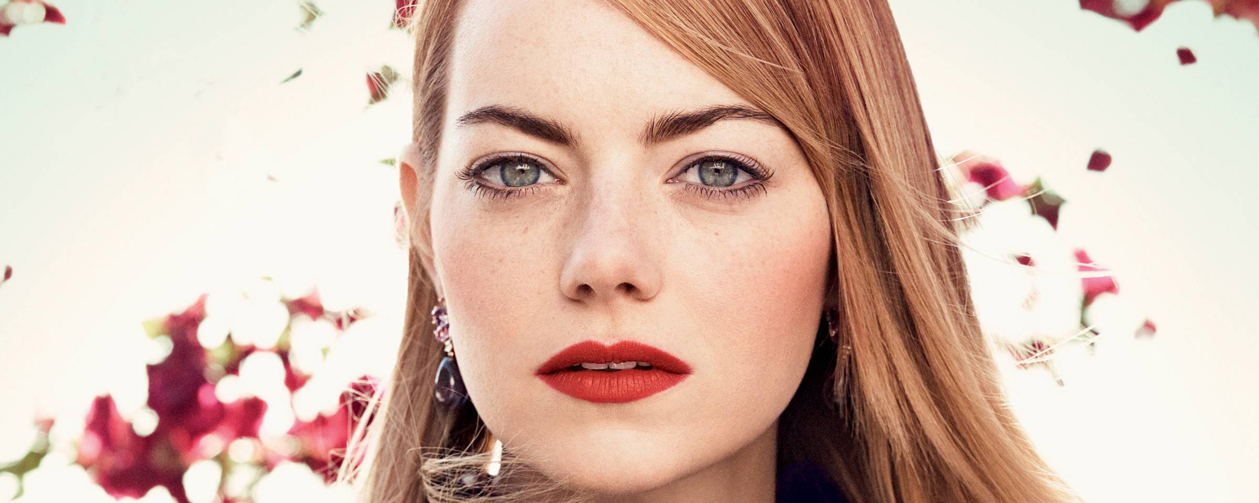 emma-stone-photshoot-for-vogue-ht.jpg
