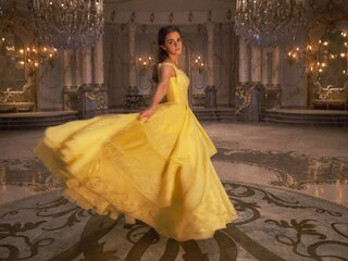 emma-watson-in-beauty-and-the-beast-qhd.jpg