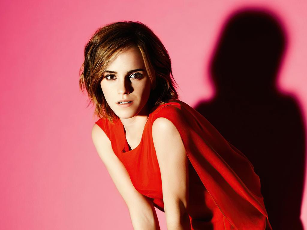 emma-watson-in-red-dress-short-hairs-4k-dk.jpg