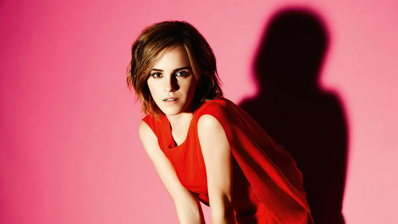 emma-watson-in-red-dress-short-hairs-4k-dk.jpg