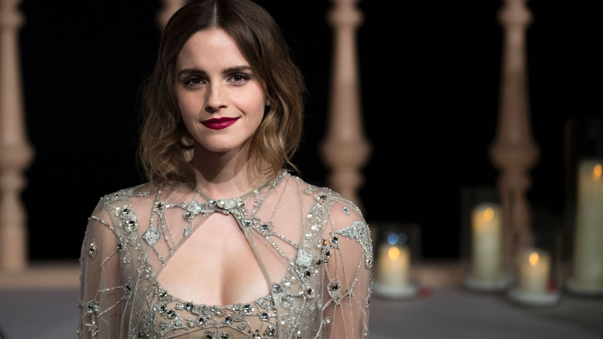 2048x1152 Emma Watson In The Beauty And The Beast Premiere