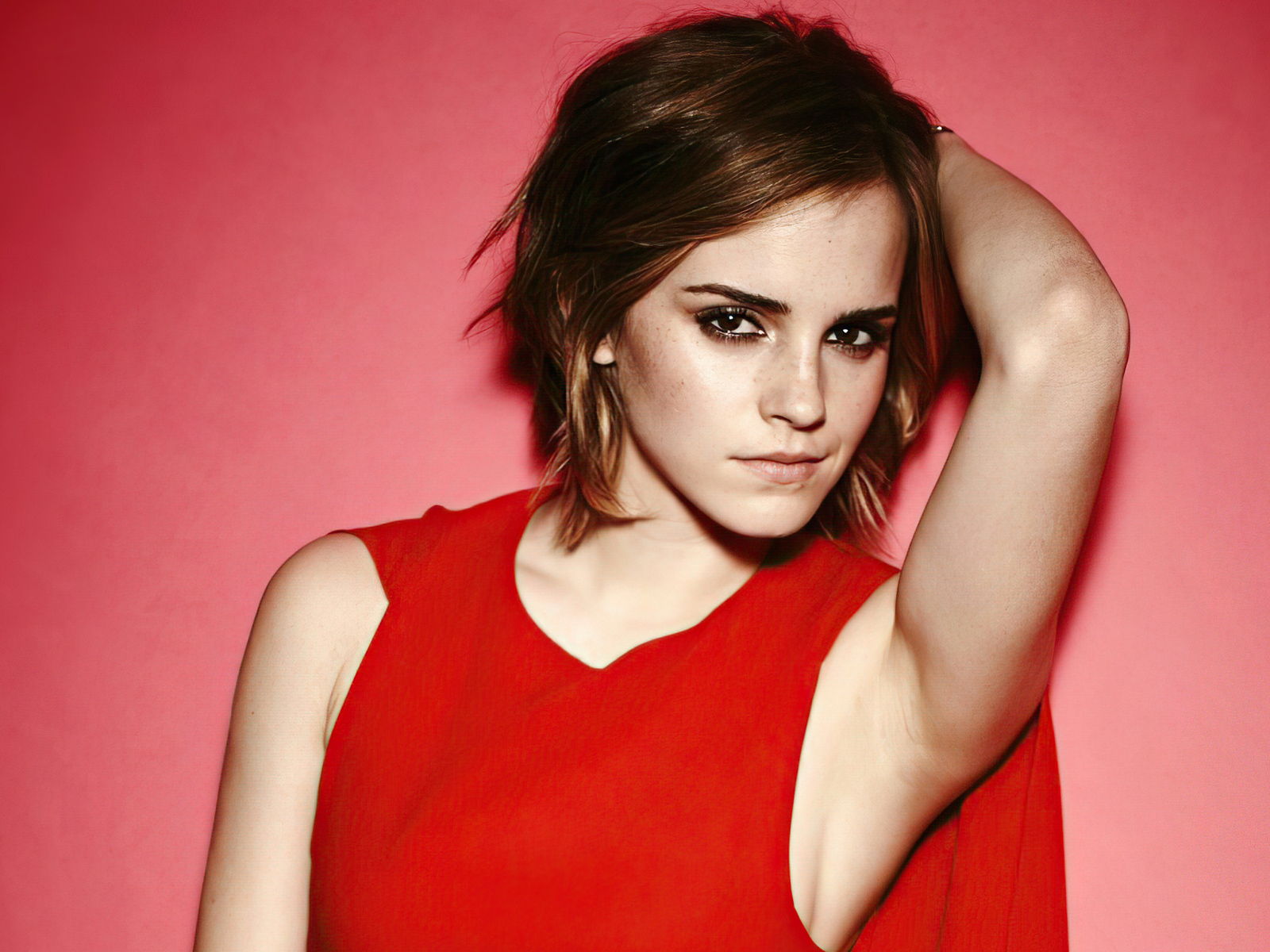 emma-watson-short-hair-red-dress-4k-ih.jpg
