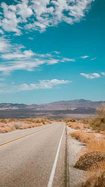 empty-desert-road-4k-i3.jpg