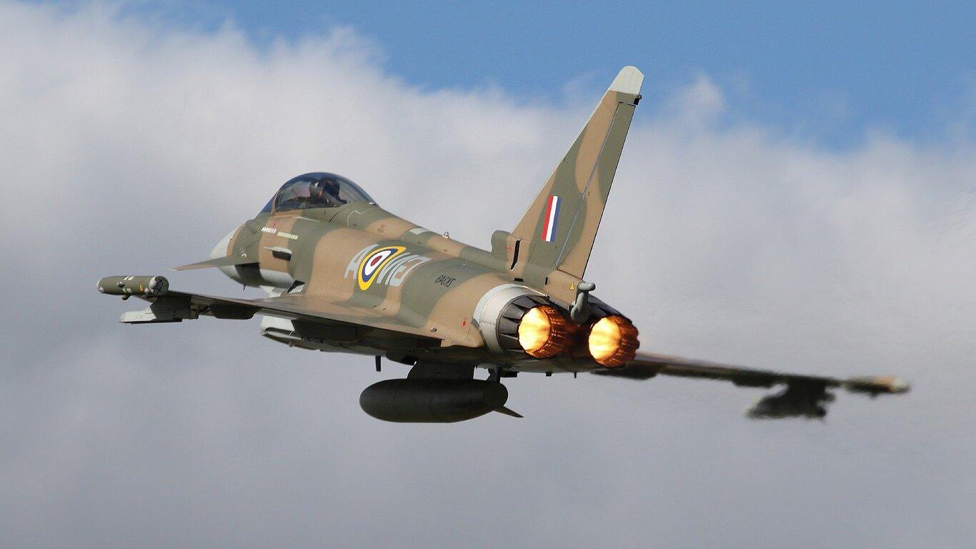 1366x768 eurofighter typhoon jet fighter aircraft warplane 1366x768