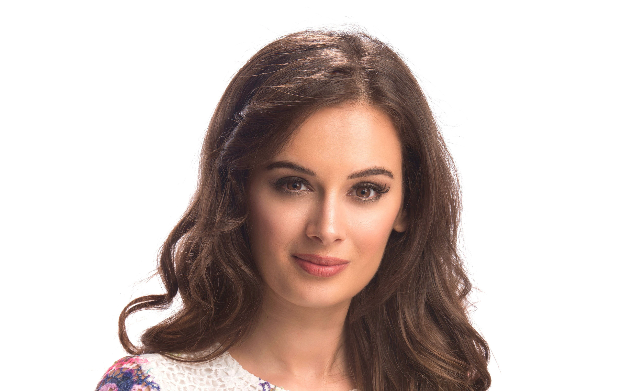evelyn-sharma-4k-2016-sd.jpg