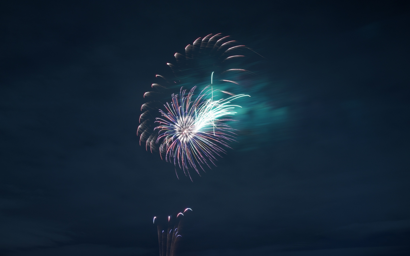 fireworks-night-4k-vg.jpg