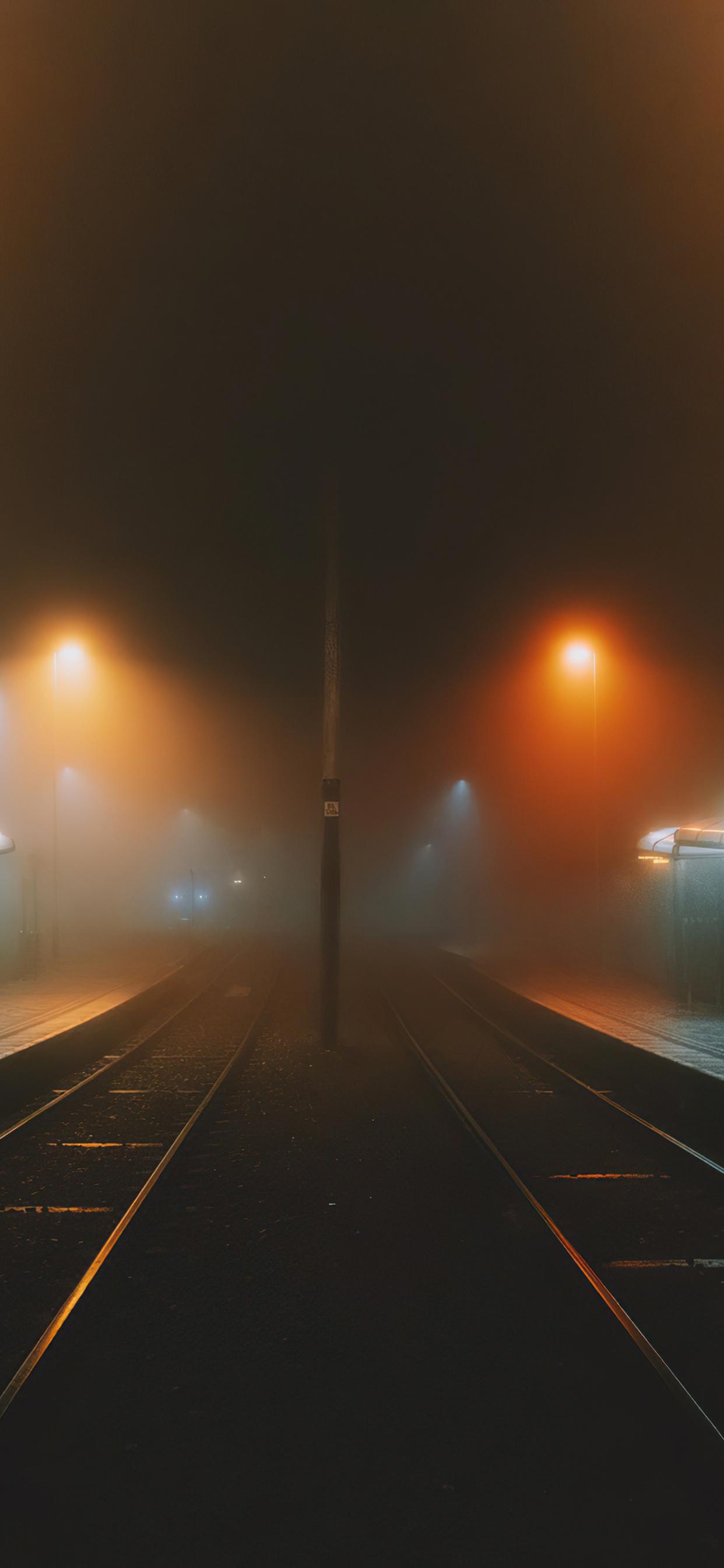 foggy-train-platform-4k-8v.jpg