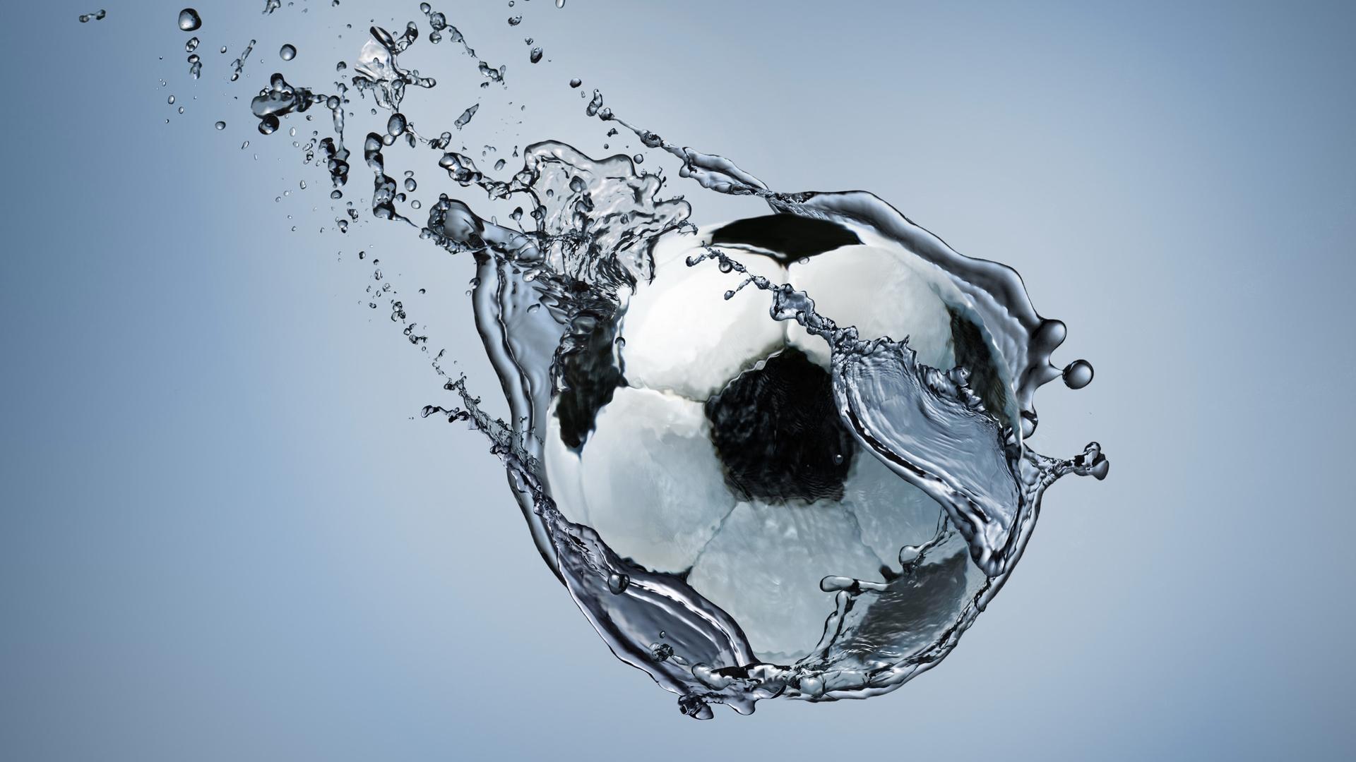 football-water-splash-lu.jpg