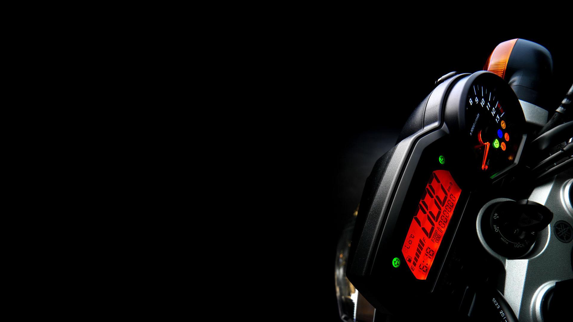 fz1-speedometer-image.jpg