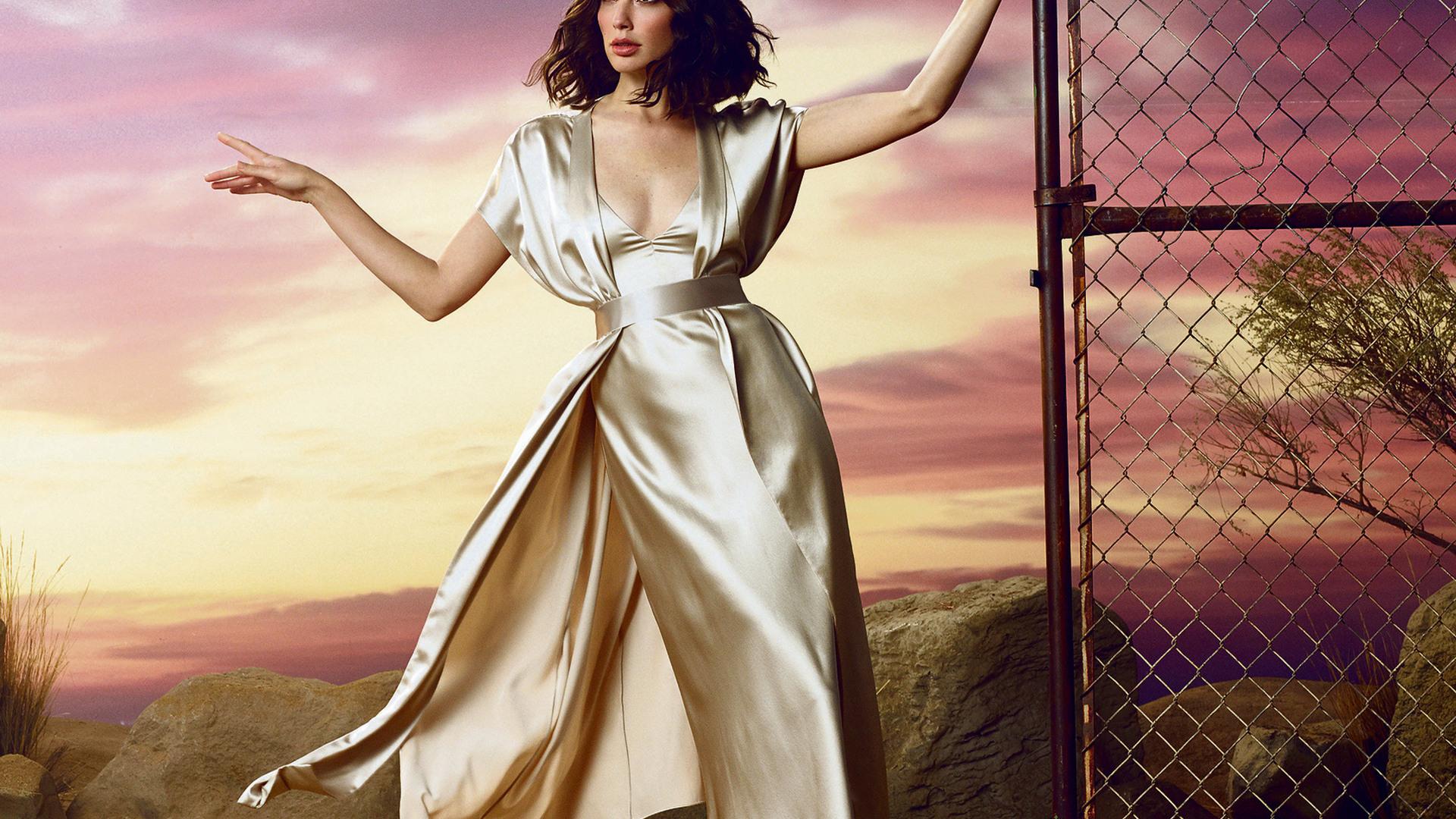 gal-gadot-glamour-magazine-photoshoot-v4.jpg