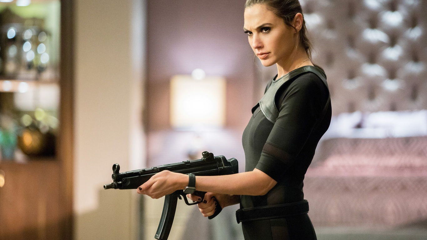 Keeping Up With The Joneses Download: 1366x768 Gal Gadot In Keeping Up With The Joneses 1366x768
