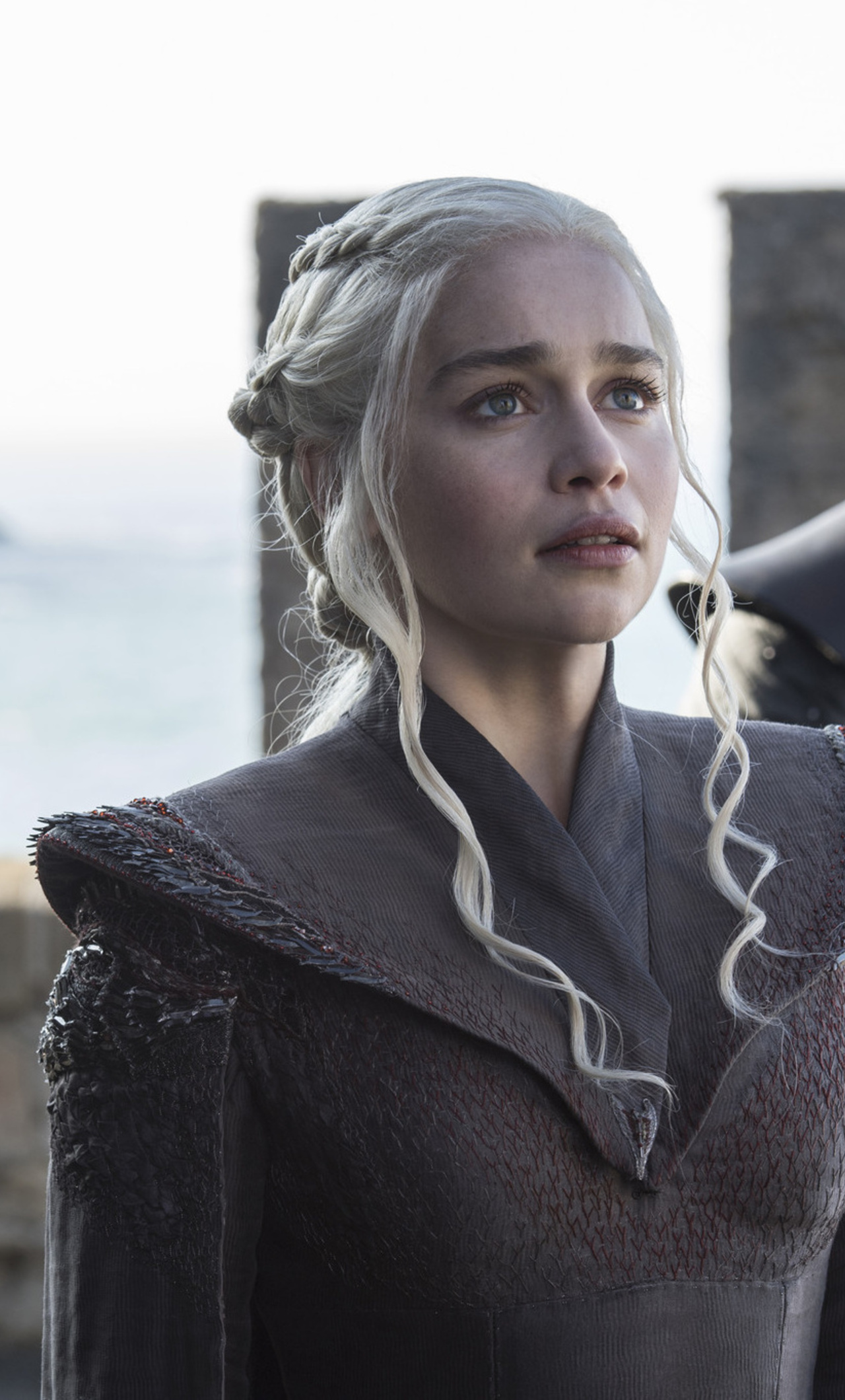1280x2120 game of thrones season 7 daenerys targaryen for Daenerys jewelry season 7