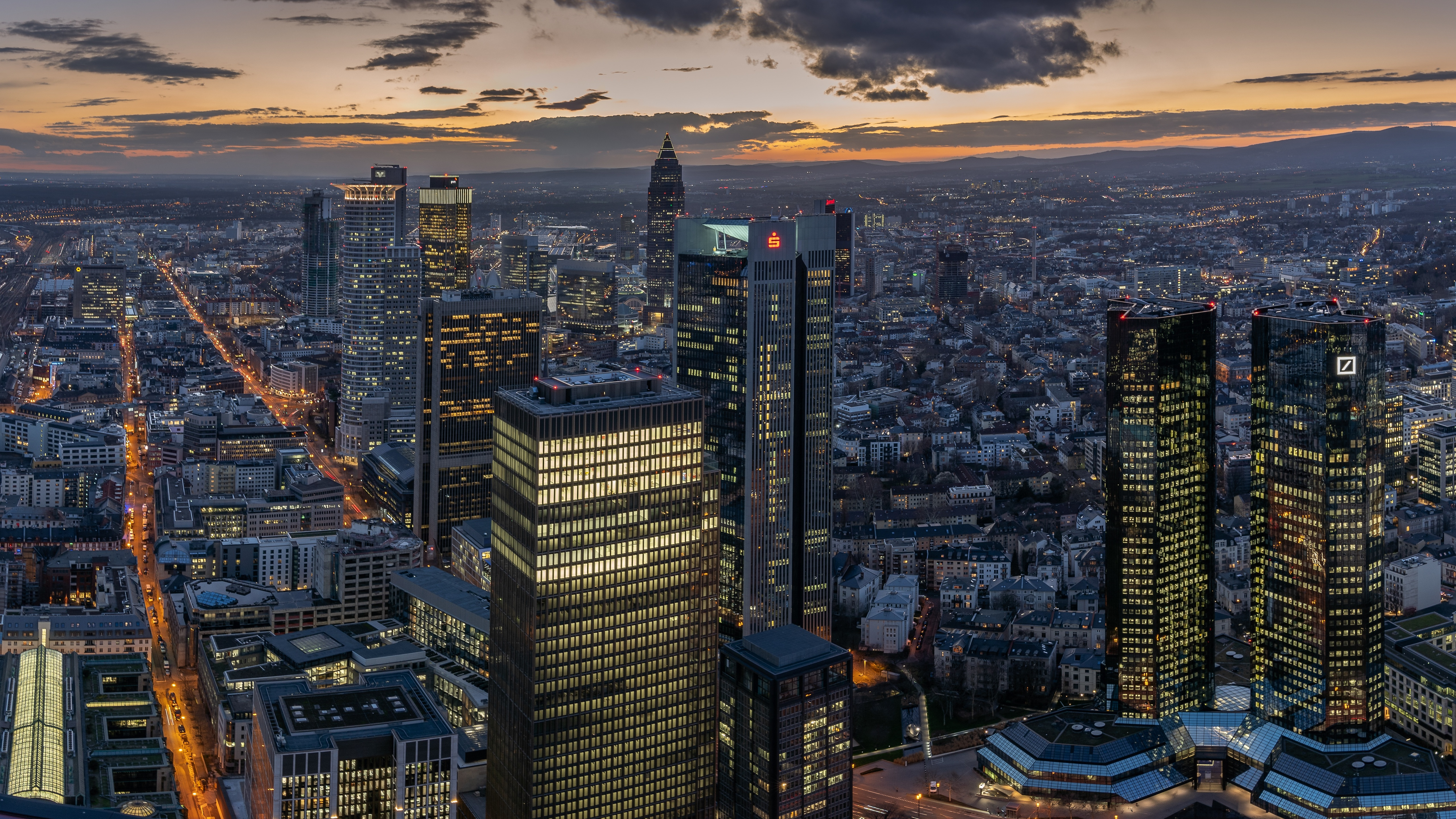 germany-frankfurt-skyscrapers-5k-jb.jpg