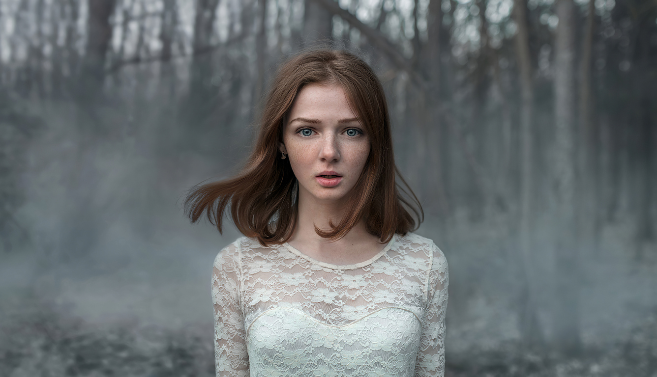 girl-alone-forest-4k-ya.jpg
