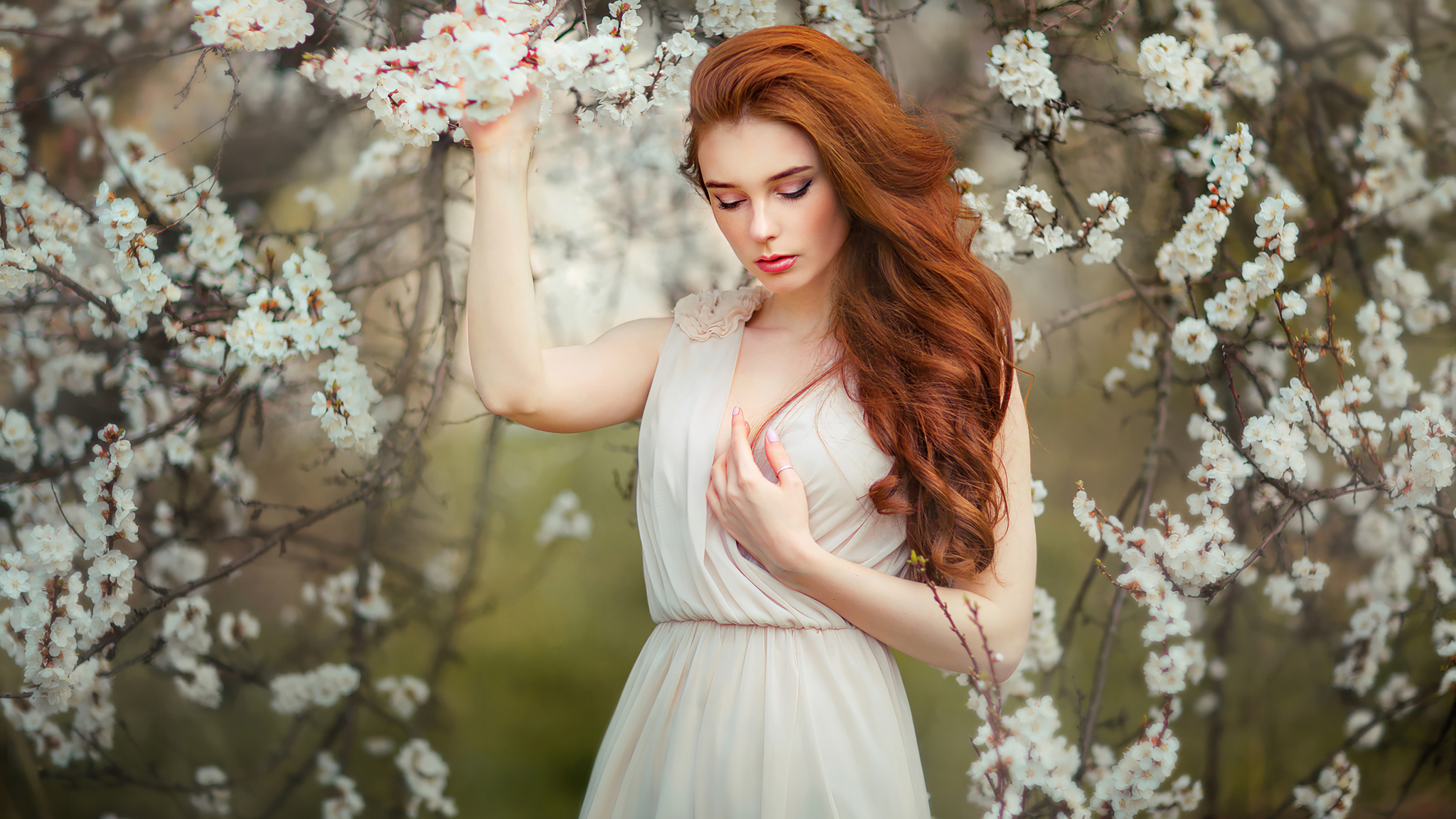 girl-in-white-flowers-4k-6u.jpg