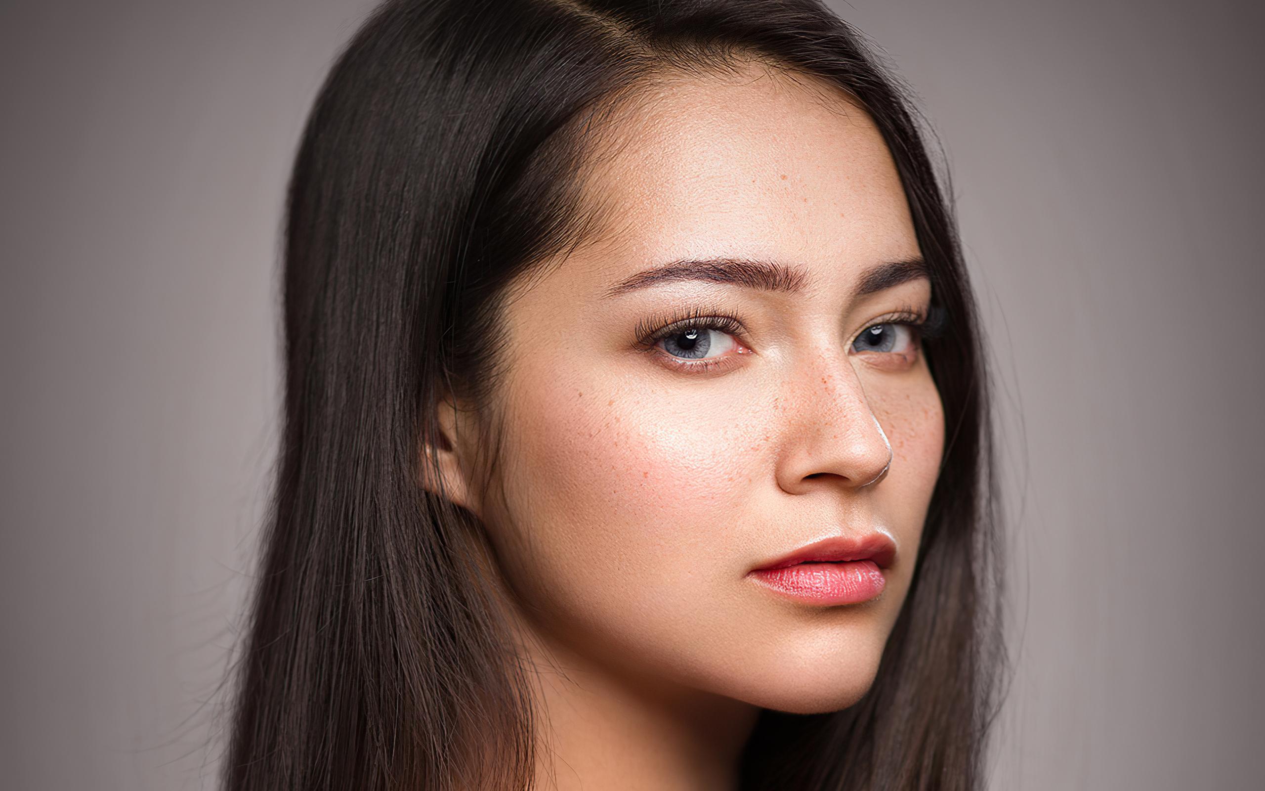 girl-straight-hair-freckles-skin-portrait-4k-ld.jpg
