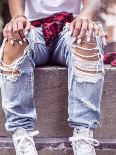 girl-style-shoes-jeans.jpg