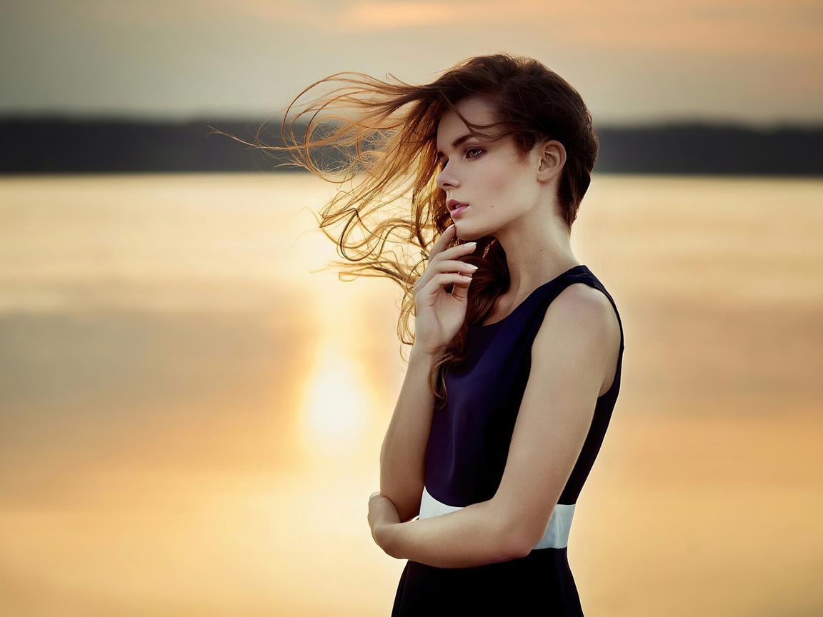 girl-sunset-mood-4k-cv.jpg