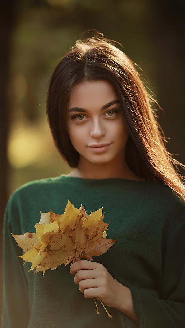 girl-sweater-autumn-flowers-4k-ns.jpg
