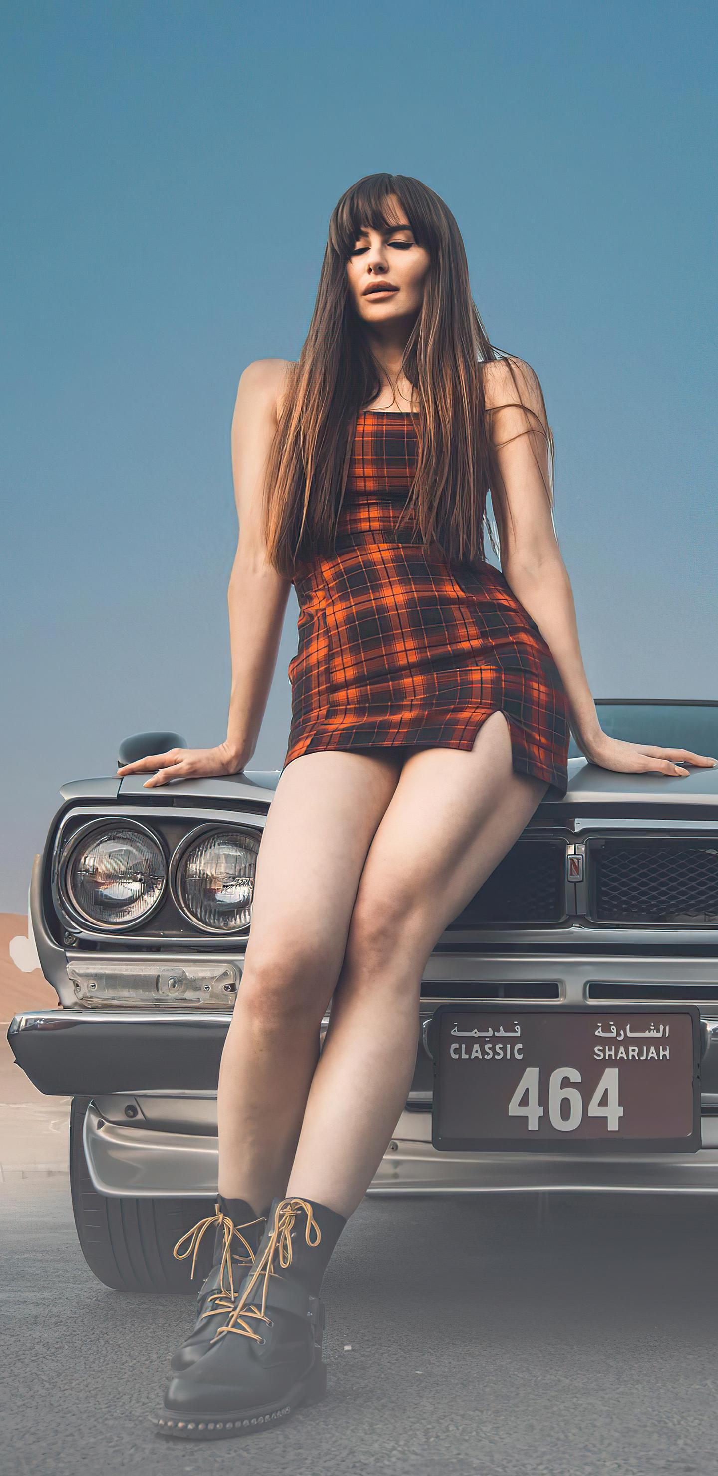 girl-with-nissan-skyline-gtr-classic-4k-kc.jpg