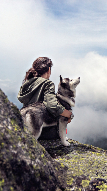 girl-with-siberian-husky-nx.jpg