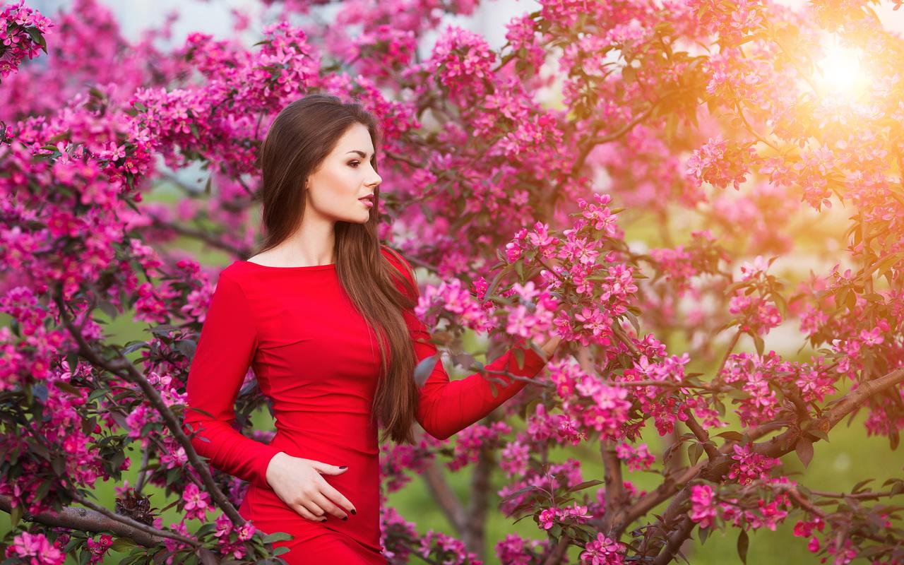 girls-with-flowers-4k-gh.jpg