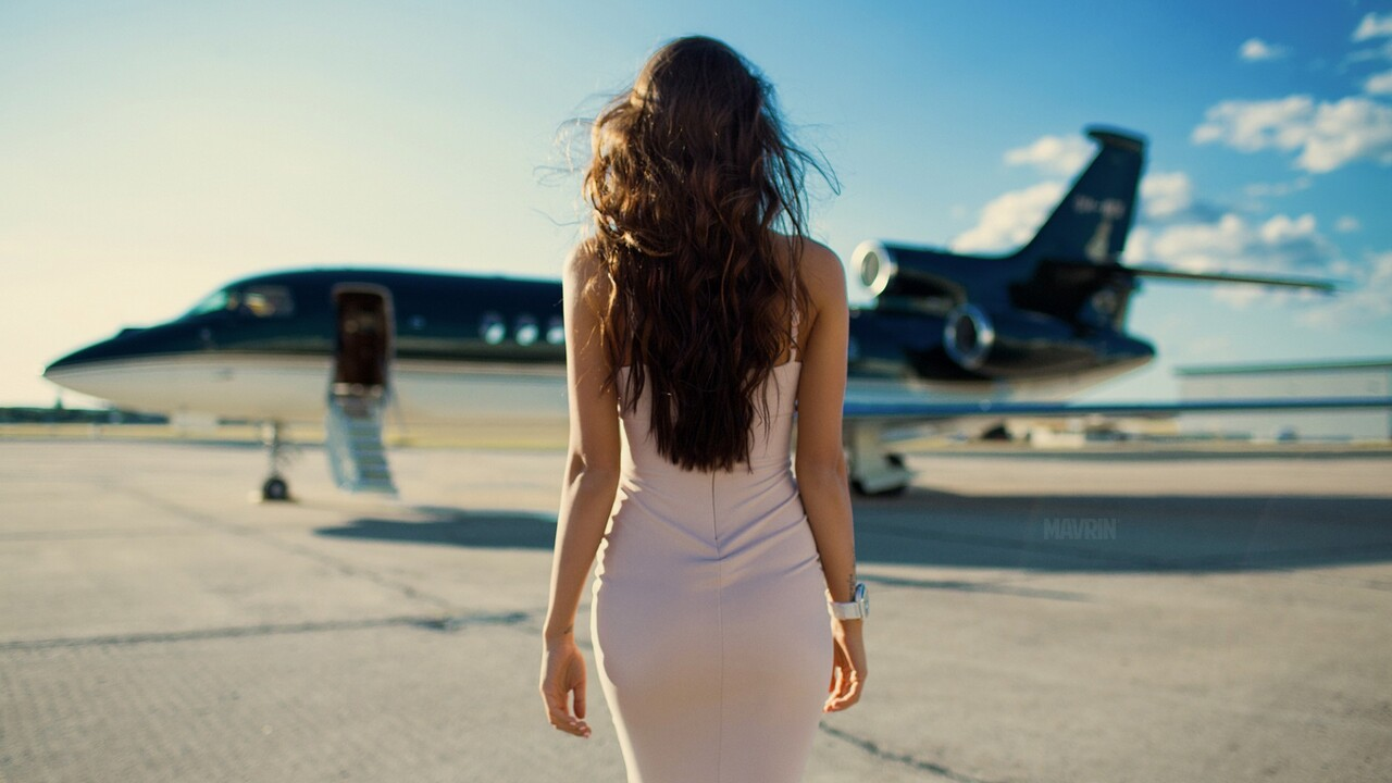 girls-with-planes-qhd.jpg