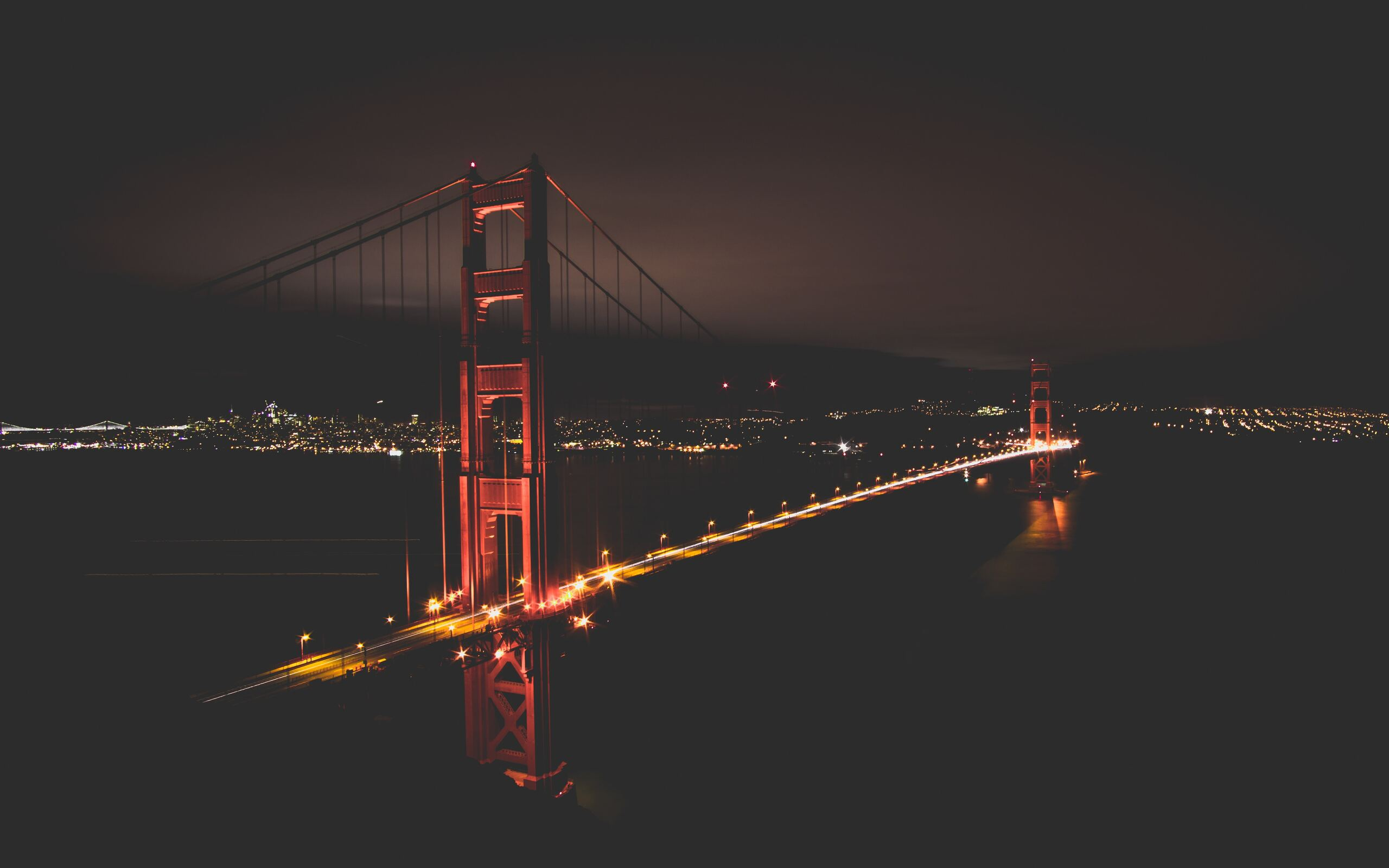 golden-gate-bridge-at-night-time-tw.jpg