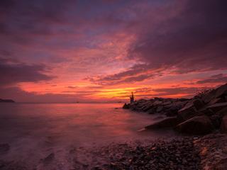 golden-hour-seascape-8k-we.jpg