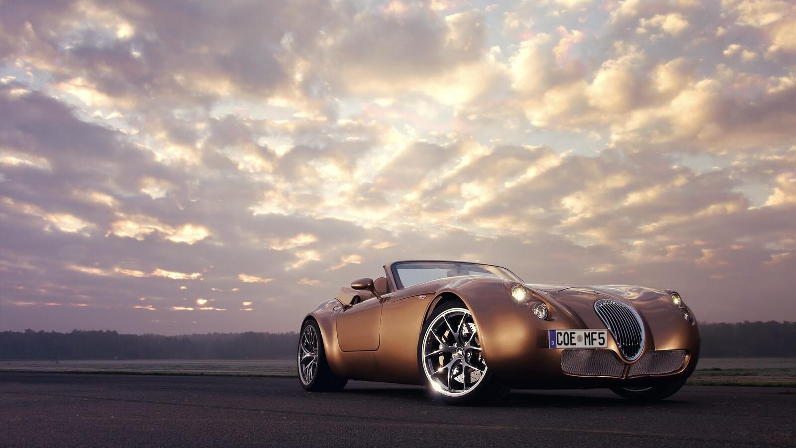 1600x900 Golden Vintage Car 1600x900 Resolution Hd 4k