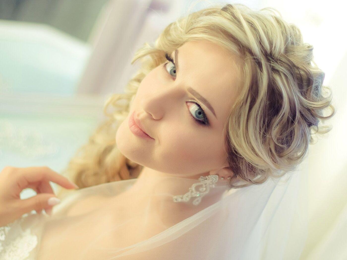 gorgeous-blonde-bride.jpg