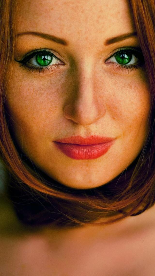green-eyes-girl-hd-rn.jpg