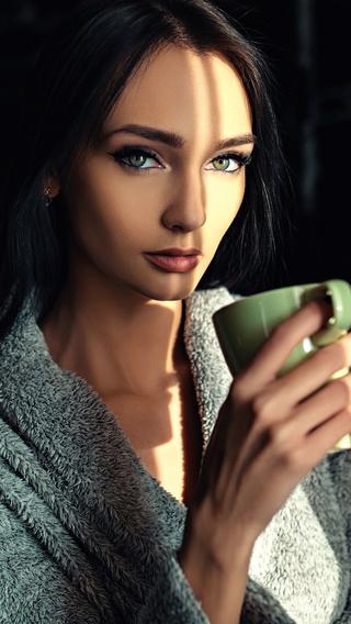 green-eyes-girl-with-cup-4k-tn.jpg