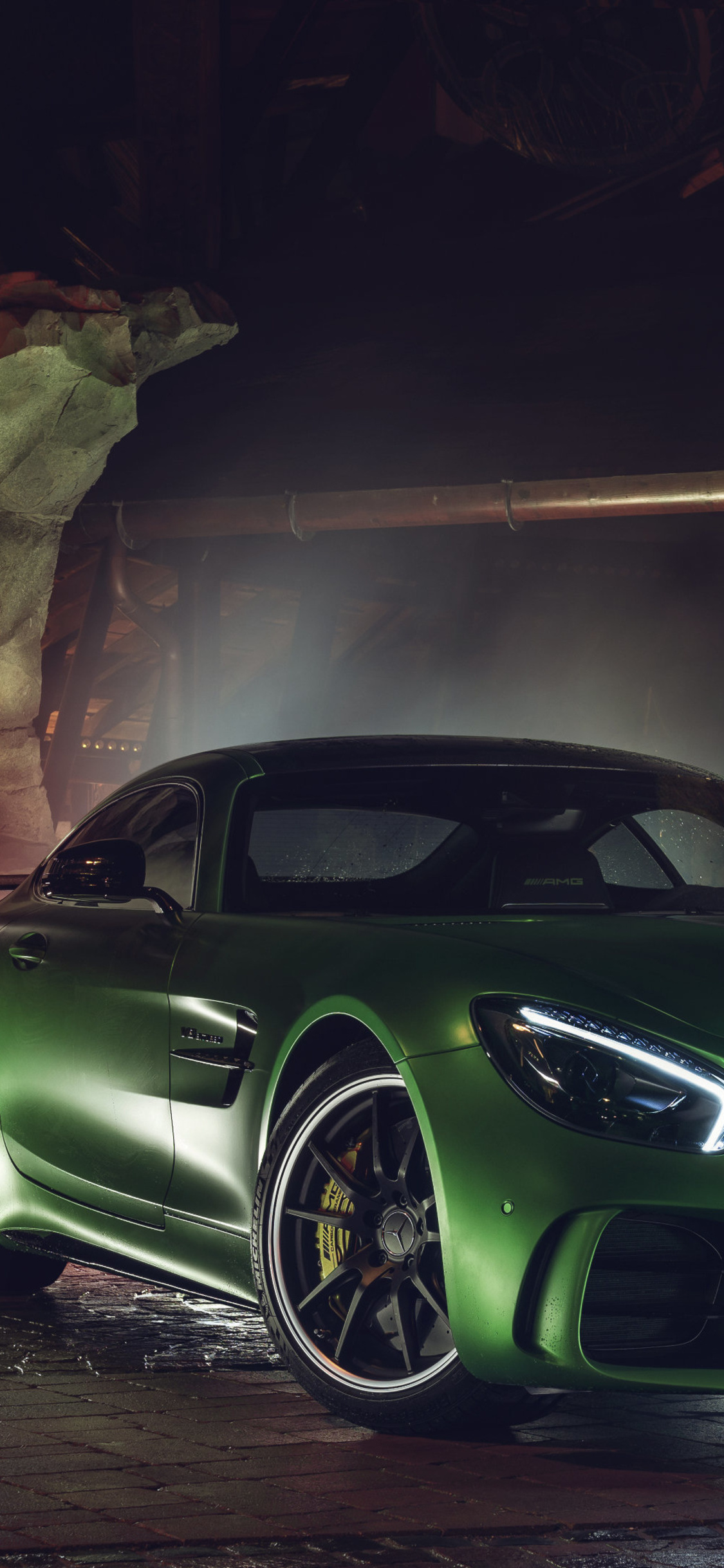 1125x2436 Green Mercedes Amg Gt R Iphone Xs Iphone 10 Iphone